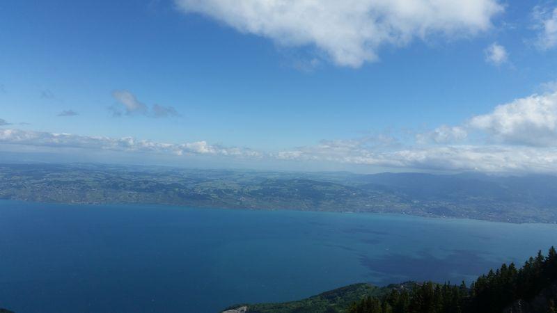 Le lac depuis Les Mémises